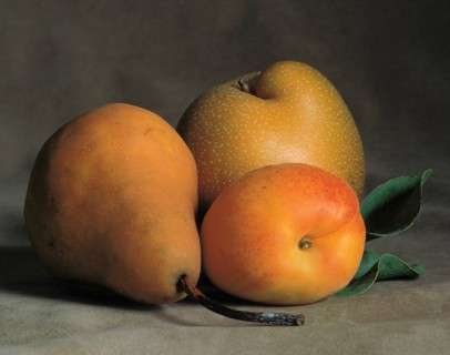 Still-Life-with-Apricot-and-Pears